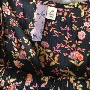 Francesca's Collections Tops - Floral Off the Shoulder Top